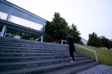 SFCの階段デルタ館入口の階段