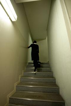 SFCの階段ラムダ館内の階段