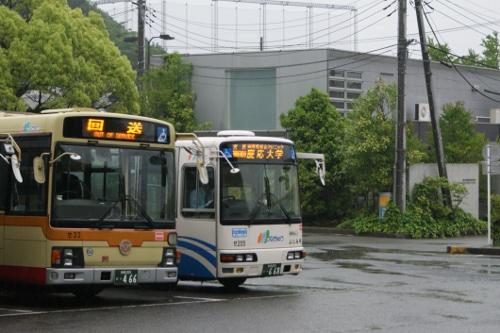 慶応大学前