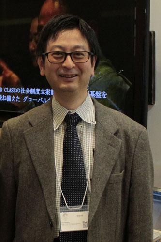 【ネームプレート】國領二郎総合政策学部長