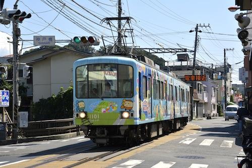 江ノ電でぶらり途中下車の旅はいかが? 小川研の「江ノ電の情景」を特集