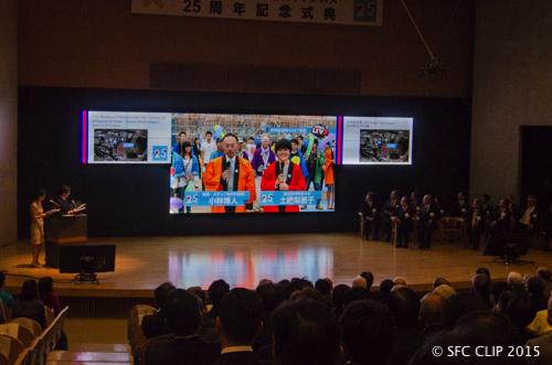 EAST街区との中継はテレビ番組さながらのクオリティ。 (画面左から小林教授、土肥さん)