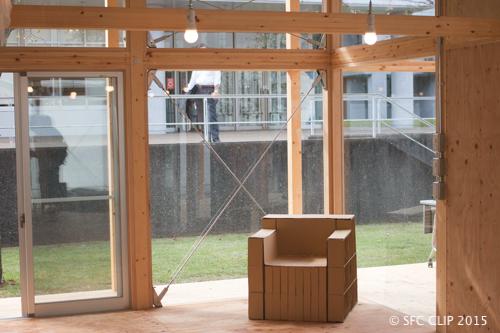 家具などは「デジタルデザイン基礎」の授業で制作された