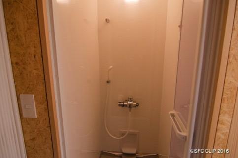 シャワー室内