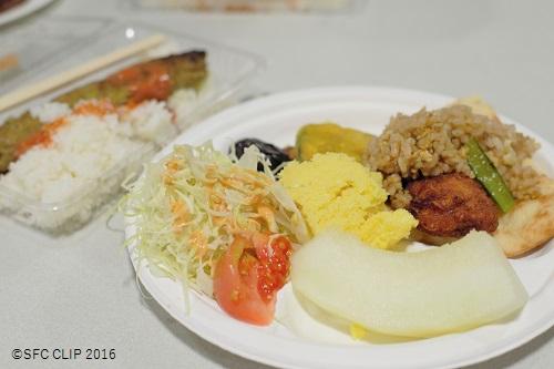 各種ハラール料理が振る舞われ、会場は賑わいをみせた。