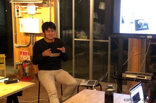 デジファブの創作物を紹介する木田さん