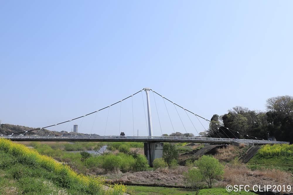吊橋「鷺舞橋」がシンボル