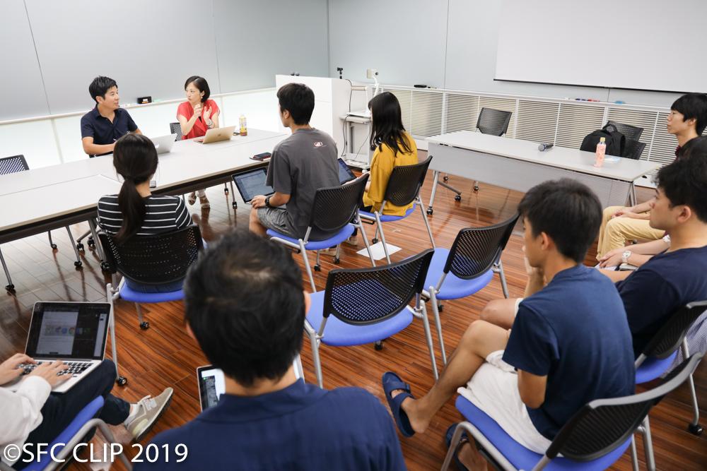 当日は大木研究会と宮本研究会の一部の学生も取材に同席。学生からは質問も出た。