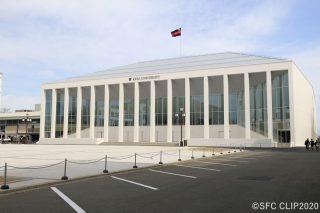 「日吉記念館が竣工 白を基調にキャンパスに合うデザイン」の画像