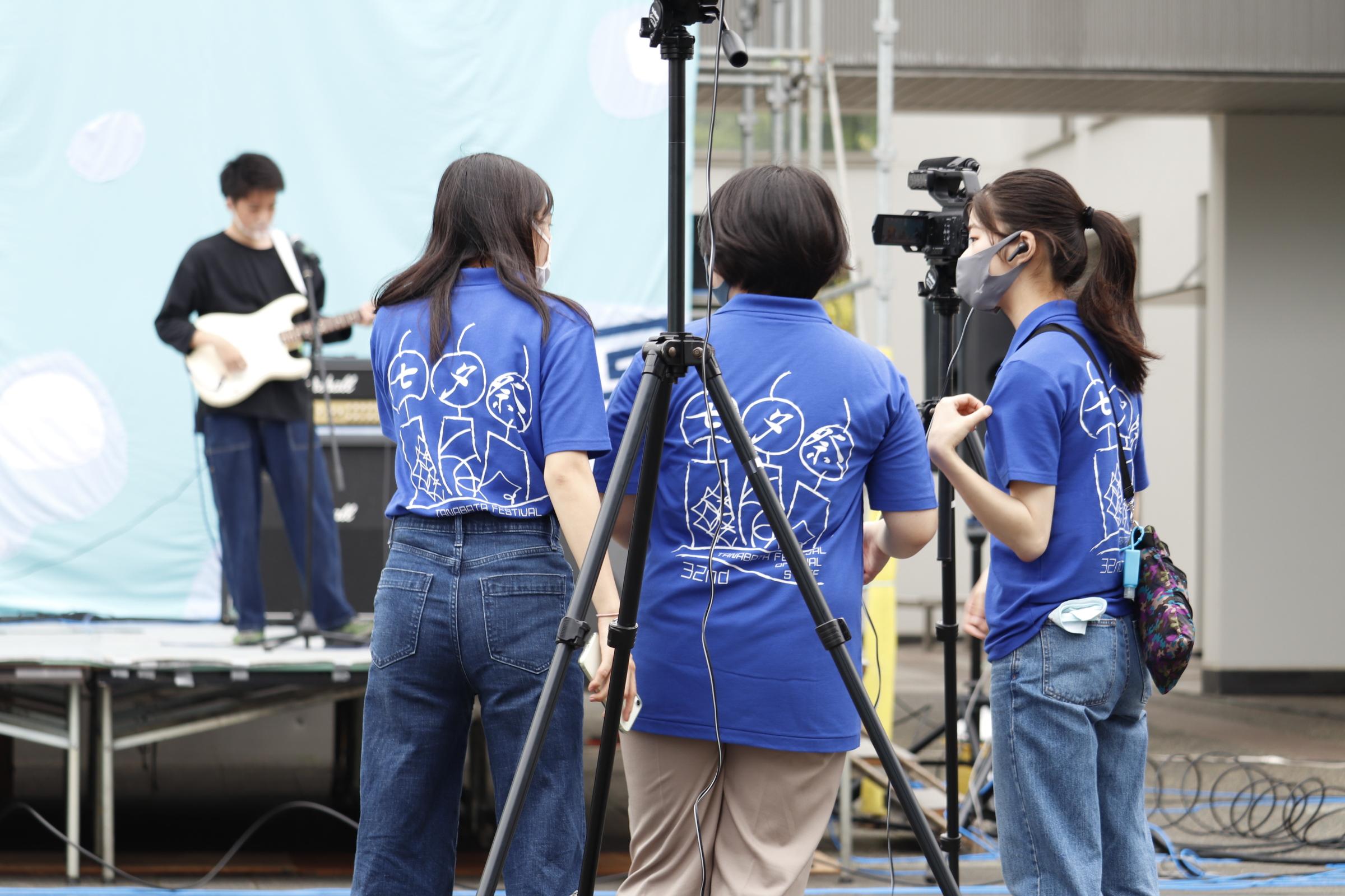開催までの準備期間中に行われた撮影の様子